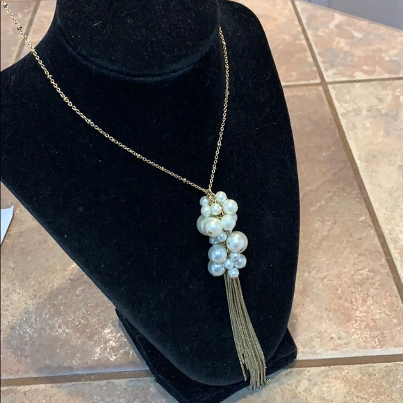 Jewelry - 💐5/25 long gold tone pearl tassel necklace